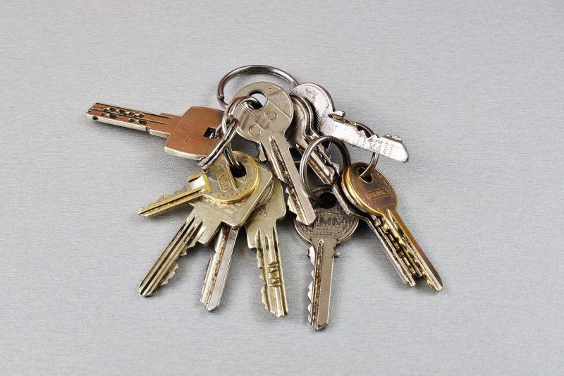 מפתחות לשמירה בכספת